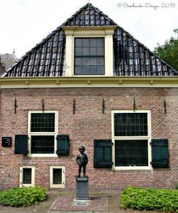 Bartje. Netherlands. Oombawka Design.