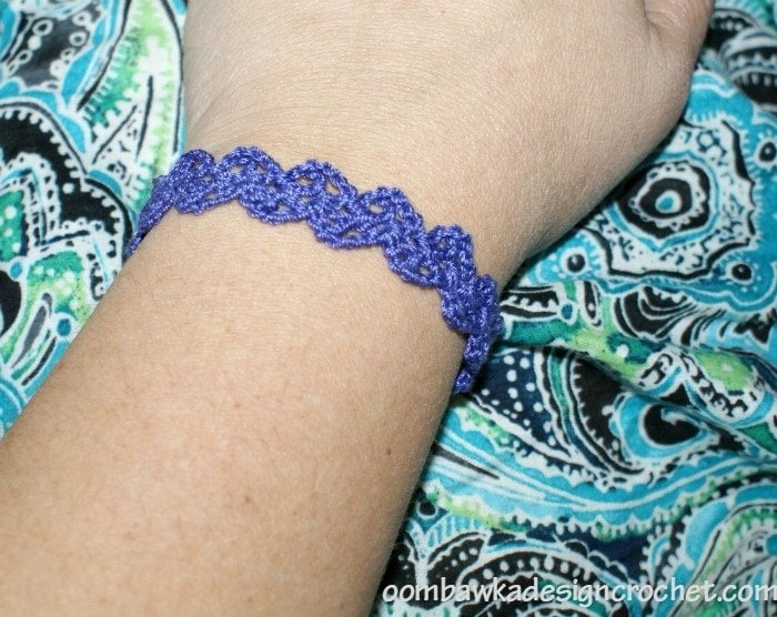 Free Pattern Lacy Crochet Cuff Bracelet @OombawkaDesign