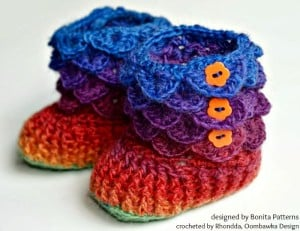Crocodile Stitch Baby Booties. Oombawka Design Crochet.