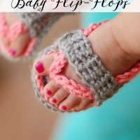 Crochet Baby Flip Flop Pattern by Whistle and Ivy