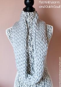 Not Knit Cowl. Crochet Cowl Pattern. Free Pattern. Oombawka Design.