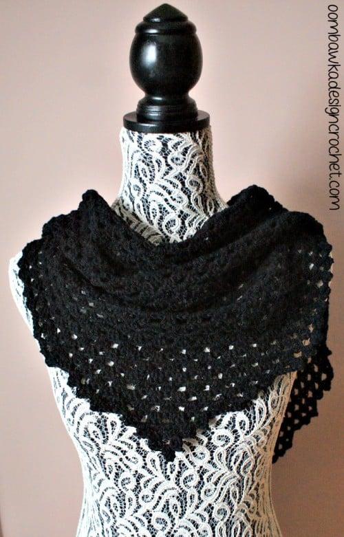 Free Crochet Pattern Dark Comfort Shawl @OombawkaDesign