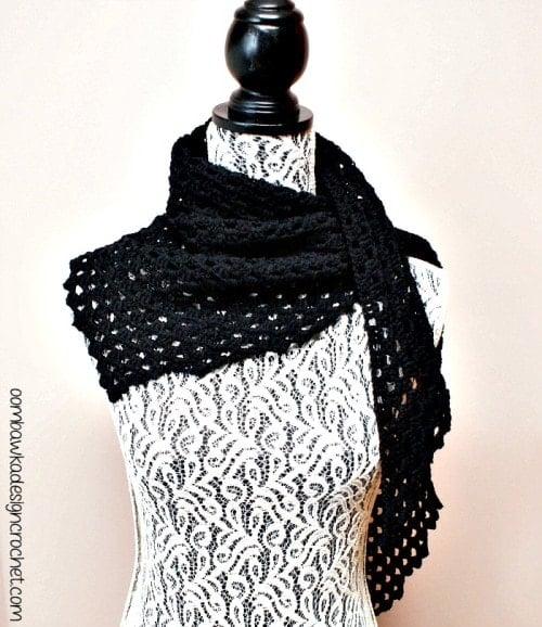 Free Pattern Dark Comfort Shawl 2 @OombawkaDesign