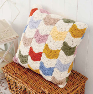 Chevron Pillow | Boho Crochet Review @OombawkaDesign