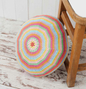 Round Floor Pillow | Boho Crochet Review @OombawkaDesign
