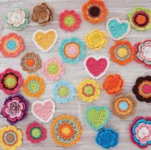 Heart and Flower Motif | Boho Crochet Review @OombawkaDesign