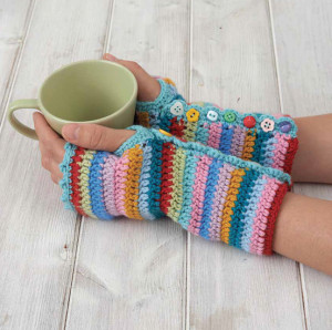 Rainbow Wrist Cuffs | Boho Crochet Review @OombawkaDesign