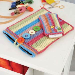 Cell Phone and Tablet Covers | Boho Crochet Review @OombawkaDesign
