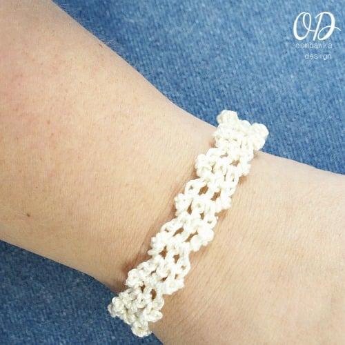 Ivory | Lacy Bracelet Free Pattern | @OombawkaDesign