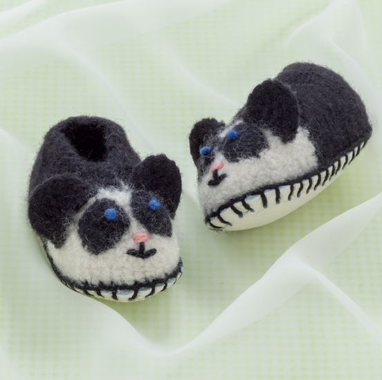Panda Bear | Cozy Toes for Baby Review @OombawkaDesign
