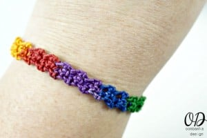 Rainbow Friendship Bracelet | Free Pattern @OombawkaDesign