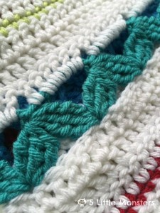 Stitch | Rickrack Stripe Baby Blanket | Guest Post | 5 Little Monsters| @OombawkaDesign