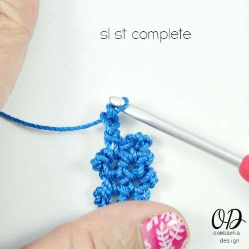 sl st complete | Lacy Bracelet Free Pattern | @OombawkaDesign