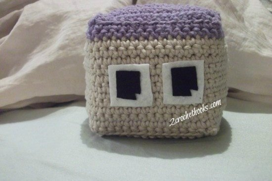 2 Boxy | Happy Amigurumi Monsters | Guest Contributor Post | 2CrochetHooks @OombawkaDesign