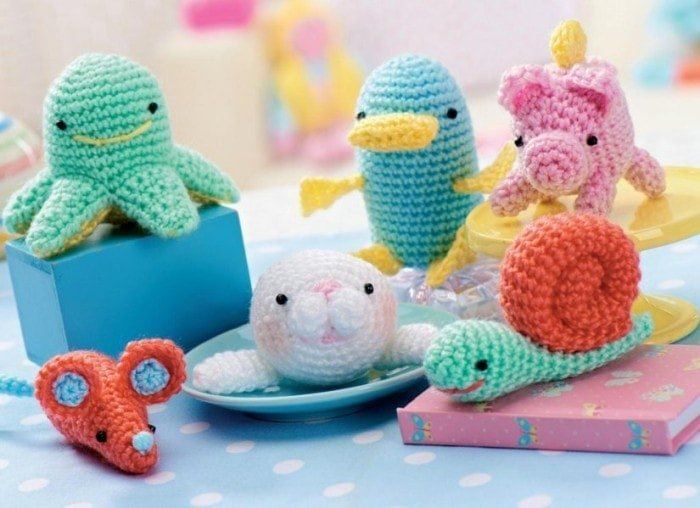 Amigurumi  | Top 7 Awesome Free Crochet Patterns | Elaine's Guest Post @OombawkaDesign
