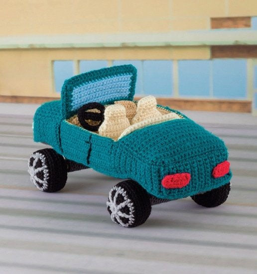 Convertible | Honk! Beep! Vroom! - Crochet Toys That Move | Review | @OombawkaDesign