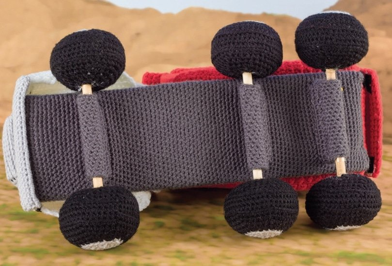 Underside of Car | Honk! Beep! Vroom! - Crochet Toys That Move | Review | @OombawkaDesign