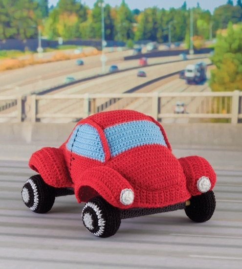 VW Beetle | Honk! Beep! Vroom! - Crochet Toys That Move | Review | @OombawkaDesign