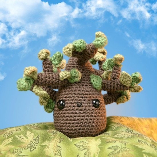 Tree Love | Amigurumi Toy Box | Book Review | Oombawka Design