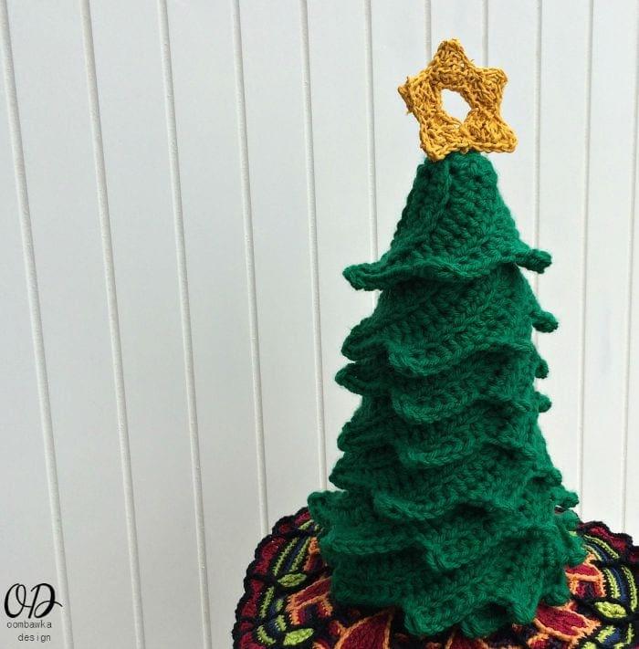 1 Star | Christmas Tree | Free Pattern | Oombawka Design