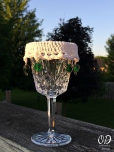 Lacy Beaded Wine Glass Cover Pattern