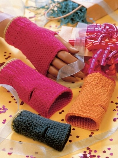 Fingerless Mitts | Crochet from the Heart | Book Review | Oombawka Design