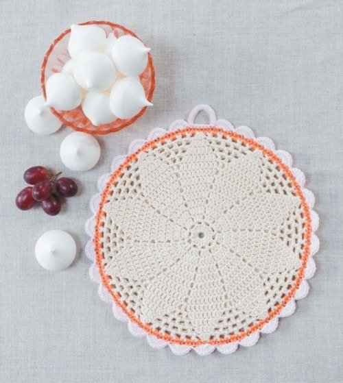 Filet Daisy Potholder | Crochet Home | Book Review | Oombawka Design
