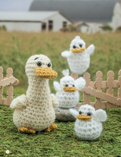 Duck and Ducklings | Chick Crochet a Farm Book Review