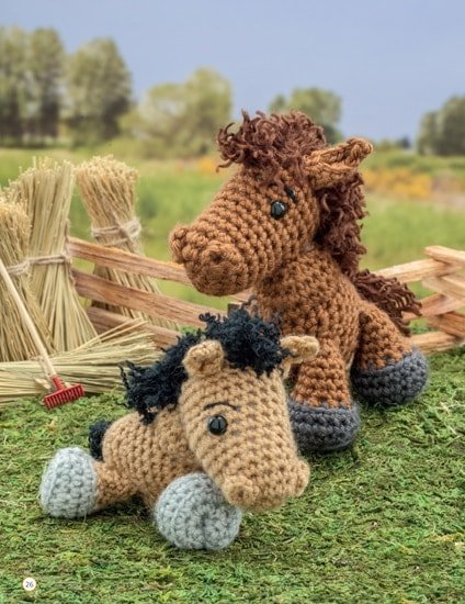Horse and Foal | Chick Crochet a Farm Book Review