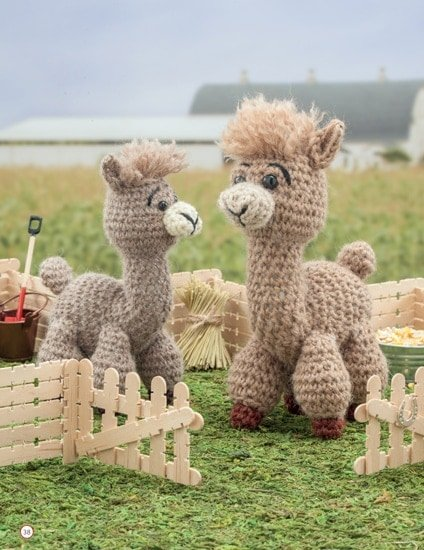 Alpaca and Cria | Chick Crochet a Farm Book Review