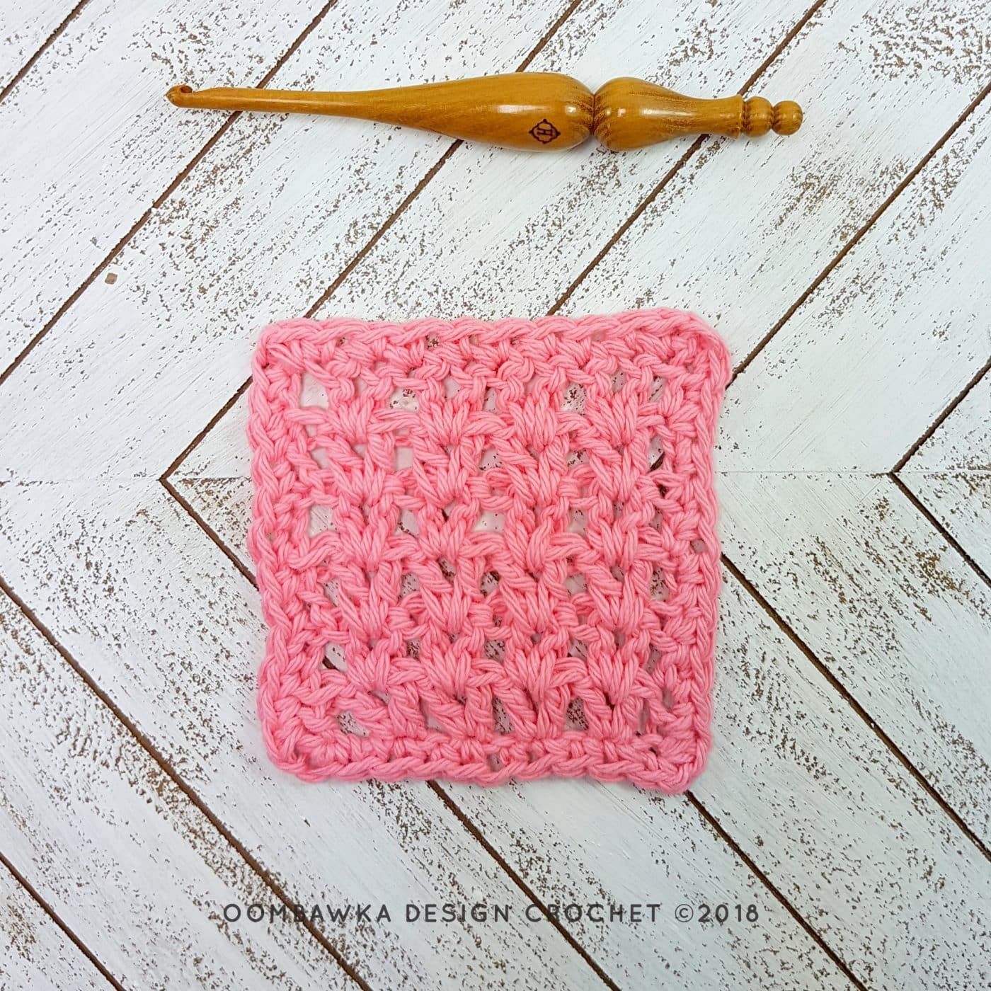 Crochet V-Stitch Dishcloth - Free Pattern and Tutorial