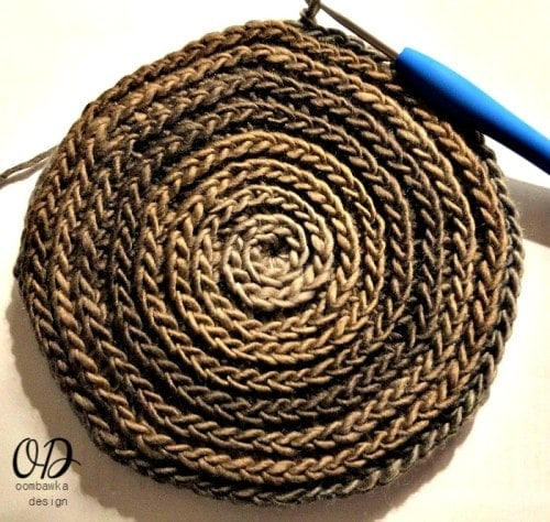 Base Assembly 4 - The Small Project Yarn Basket