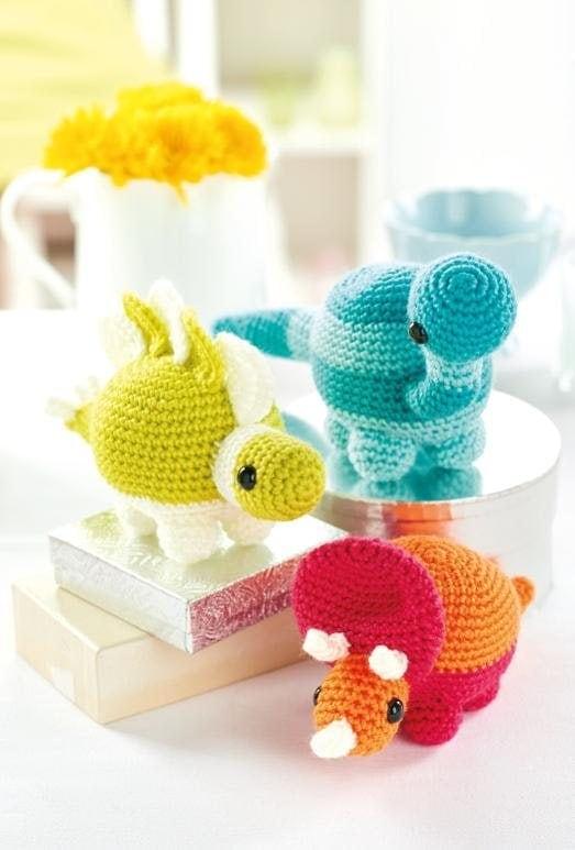 Amigurumi For Beginners Magazine : 5 FREE Cute Amigurumi Patterns Oombawka Design Crochet