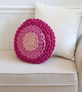 Zinnia Pillow - Crochet To Calm