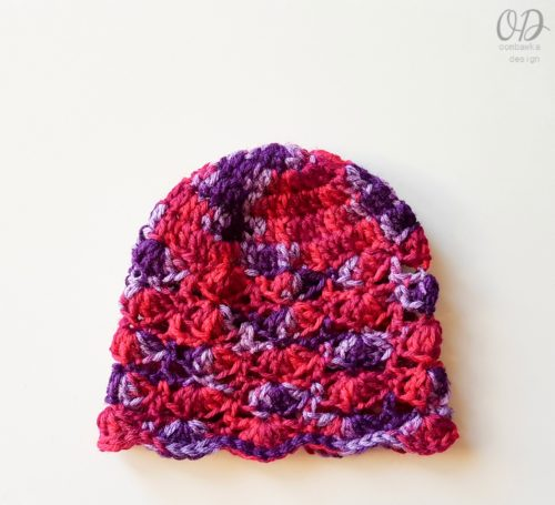 BERRIES JUBILEE HAT FREE PATTERN OOMBAWKA DESIGN