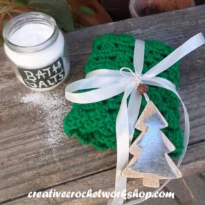Christmas Tree Inspired Washcloth - Creative Crochet Workshop Guest Post 3