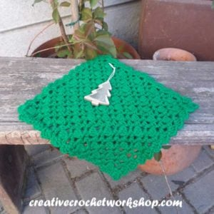 Christmas Tree Inspired Washcloth - Creative Crochet Workshop Guest Post 4