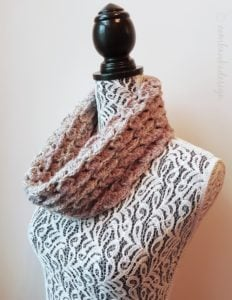 Perfectly Puzzled Cowl – Chinese Puzzle Stitch