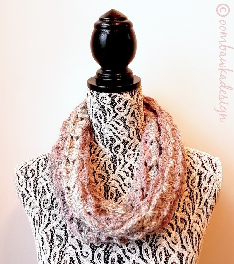 Perfectly-Puzzled-Cowl-Oombawka-Design