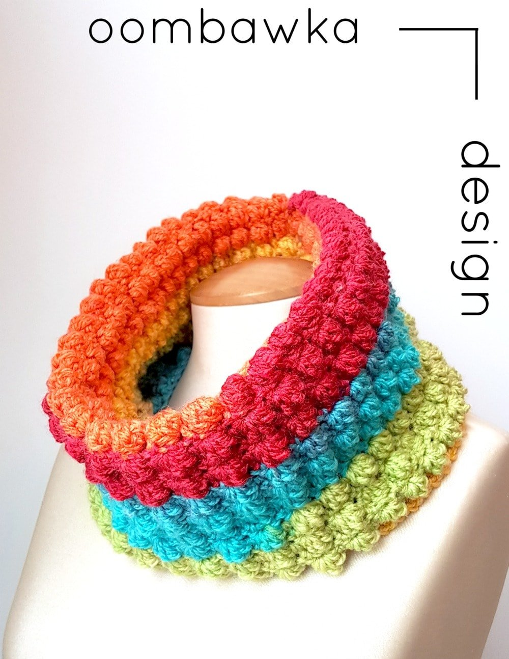 All The Colors Cowl - March - Scarf of the Month Club Free Crochet Pattern - @OombawkaDesign Yarn: 1 Caron Cake; Hook: 6 mm (J) Just one of the #scarfofthemonthclub2017 patterns!