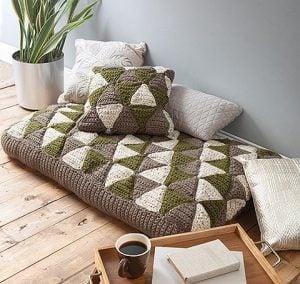 8 Fantastic and Easy Patterns for Floor Poufs and Crochet Pillows. Oombawka Design Crochet.