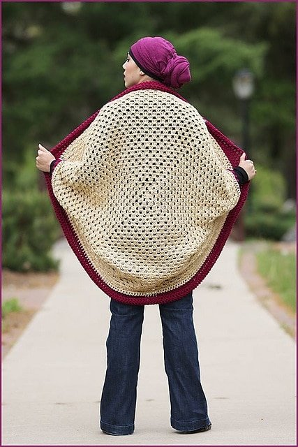 Granny Cocoon Shrug by Maria Valles