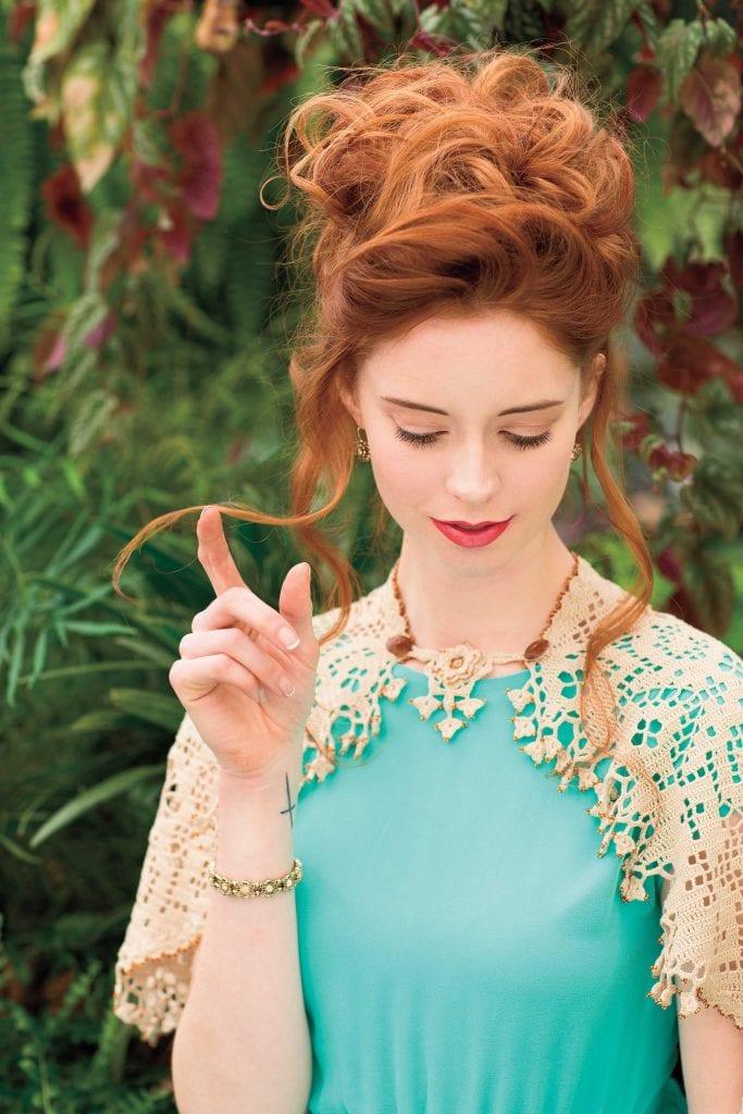 Eolande - Classic Crochet Shawls
