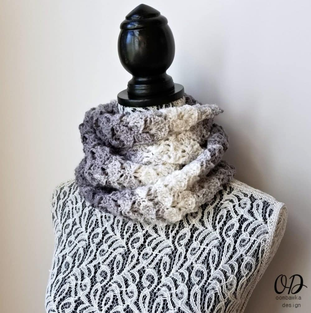 Shades of Grey Scarf Make this beautifully textured scarf today with this free crochet pattern! Scarf of the Month Club - September