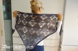 Triangle Scarf with Skulls Free Pattern from Frau Tschi-Tschi Featured at The Wednesday Link Party
