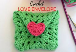 Wednesday Link Party 230 Features: Wednesday Link Party 230 with Oombawka Design and The Stitchin Mommy Featuring Crochet Love Envelope - Made by Demi