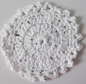 Featured On The Wednesday Link Party 226: Little Dots Coaster Crochet Pattern - Underground Crafter