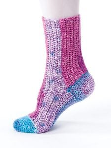 Side to Side - New Methods for Crochet Socks - Rohn Strong - Annie's Craft Store - Review by Oombawka Design