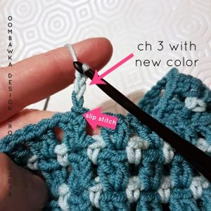 Sea Blues Cowl: 2 Chain 3 with new color