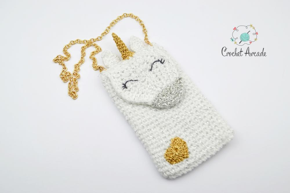 Unicorn Universal Cell Phone / Mobile Phone Neck Pouch Purse Pattern by Crochet Arcade Guest Post for Oombawka Design Crochet.